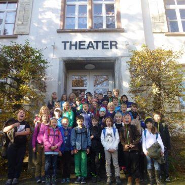 Die Klassen 3 und 4 im Theater Marienbad